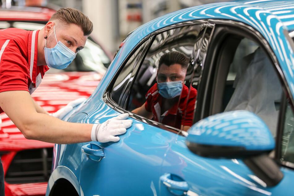 Auch im Porsche-Werk in Leipzig soll zukünftig an einigen Samstagen gearbeitet werden, um den Rückstand aufzuholen.