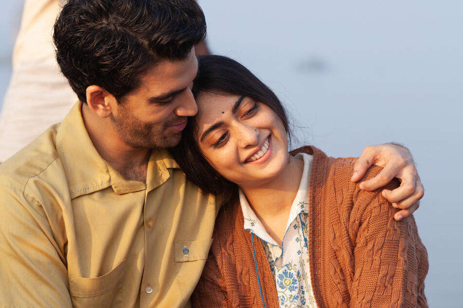 """Die Schauspieler Danesh Razvi (l.) und Lata Mehra spielen in der Netflix-Serie """"A Suitable Boy"""" ein muslimisch-hinduistisches Paar. Für viele Inder ist das ein Tabubruch."""