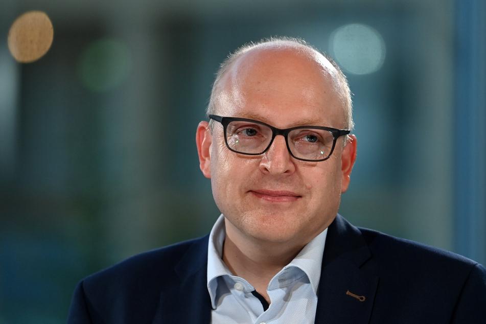 31 Stimmen aus den Fraktionen reichen Sven Schulze (49, SPD), um als Amtsverweser neues Stadtoberhaupt zu werden.