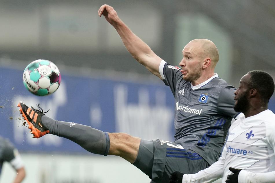 Toni Leistner (31, l.) wechselt nach der HSV-Vertragsauflösung zum belgischen Klub VV St. Truiden.