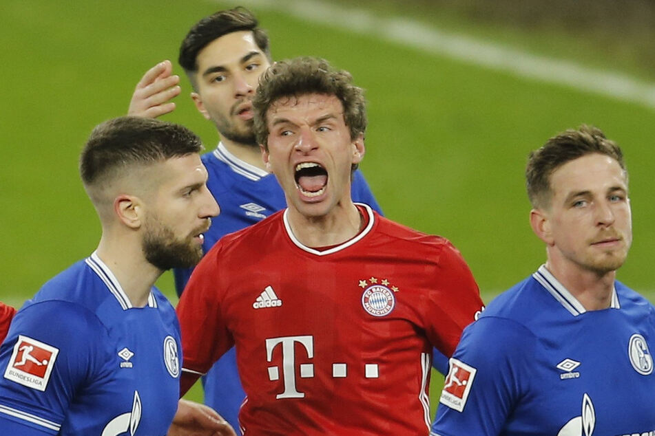 Thomas Müller (31, M.), hier beim Spiel gegen Schalke am vergangenen Wochenende, wird in Tokio nicht dabei sein.