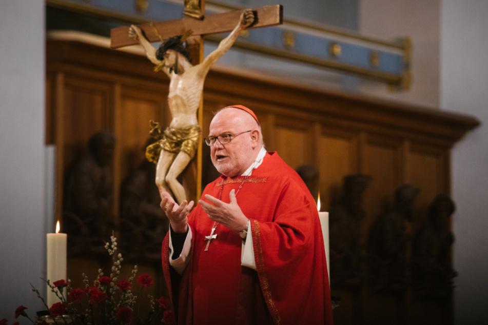 Kardinal Reinhard Marx hält einen Gottesdienst im Münchner Liebfrauendom.