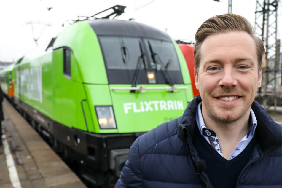André Schwämmlein, Unternehmer und Gründer von Flixbus, steht vor einem Flixtrain. Das Reiseunternehmen hätte den Schienenverkehr gerne aufrechterhalten, was aus wirtschaftlichen Gründen jedoch nicht möglich sei. (Archivfoto)