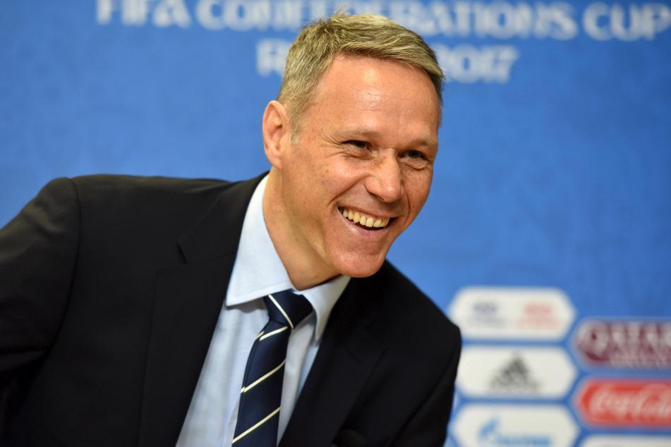 Zu schlecht für die große Karriere? Marco van Basten (56) kann über die vergebenen Hochkaräter des Ex-Leipzigers nur noch lachen.