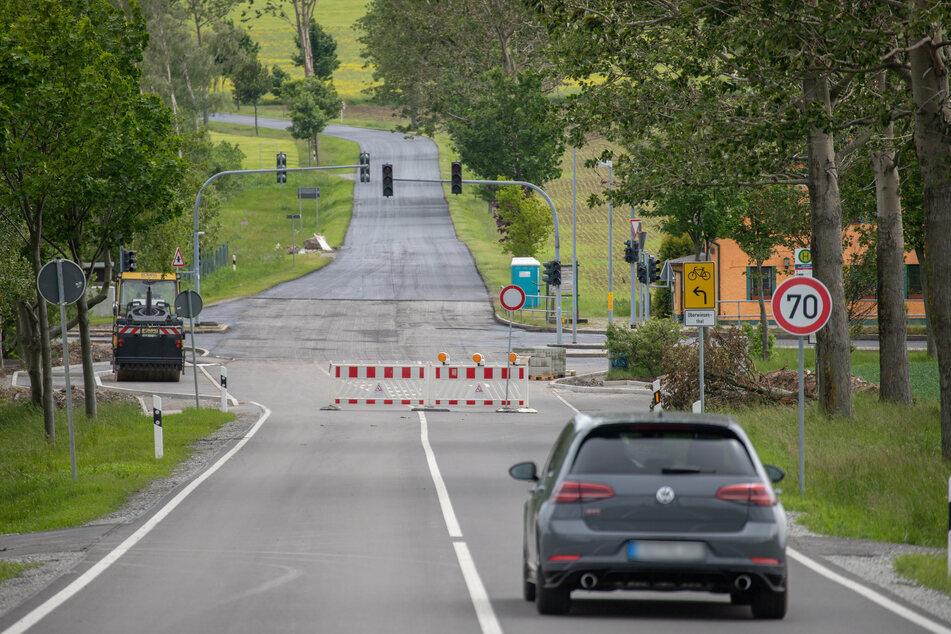 """Die B95 ist derzeit für Autofahrer zwischen der Kreuzung """"Morgensonne"""" und dem sogenannten """"Einschnitt"""" gesperrt."""