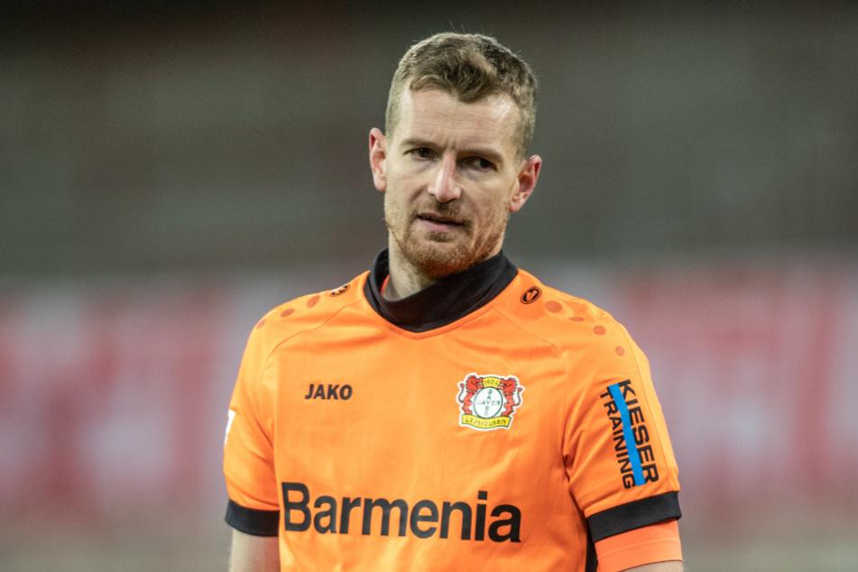 Torwart Lukas Hradecky (31) fällt bei Bayer 04 Leverkusen verletzungsbedingt für mehrere Wochen aus.