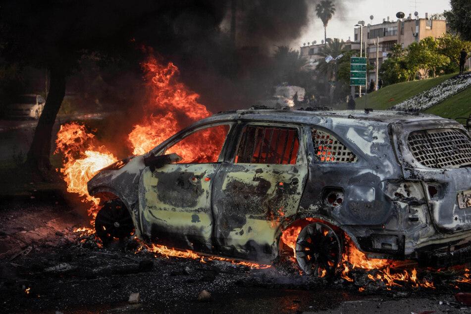 Terror-Angriff auf Israel: Raketeneinschläge nahe Tel Aviv, mehrere Tote