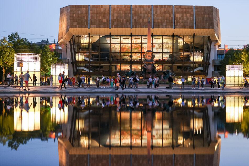 Im Leipziger Gewandhaus wird am Donnerstag ein Corona-Testzentrum eröffnet. (Archivbild)