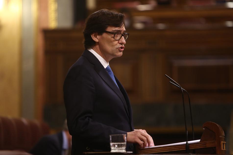 Salvador Illa, Gesundheitsminister von Spanien, spricht im Parlament.