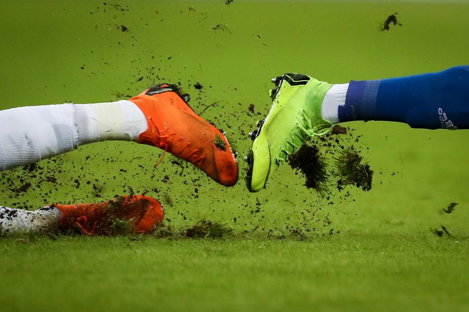 Ein Streit auf einem Fußballplatz in Uganda endete tragisch. (Symbolbild)