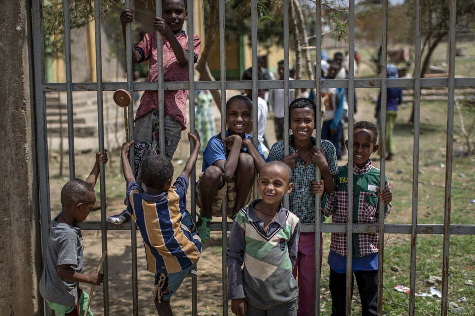 Geflüchtete Familien aus der Konfliktregion Tigray fanden in einer Grundschule eine Flüchtlingsunterkunft.