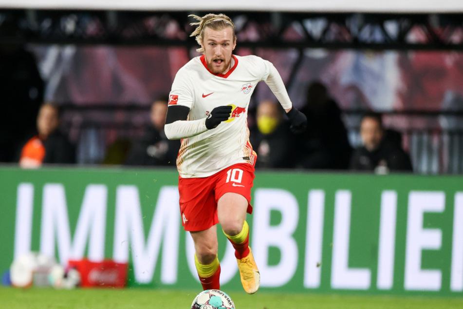 Gespräche gab es zwar noch nicht, zumindest für Emil Forsberg (29) steht jedoch bereits fest: Auch in Zukunft will er für die Roten Bullen spielen.