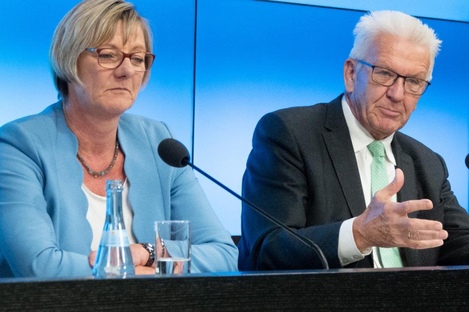 Baden-Württembergs Finanzministerin Edith Sitzmann (links im Bild) und Ministerpräsident Winfried Kretschmann.