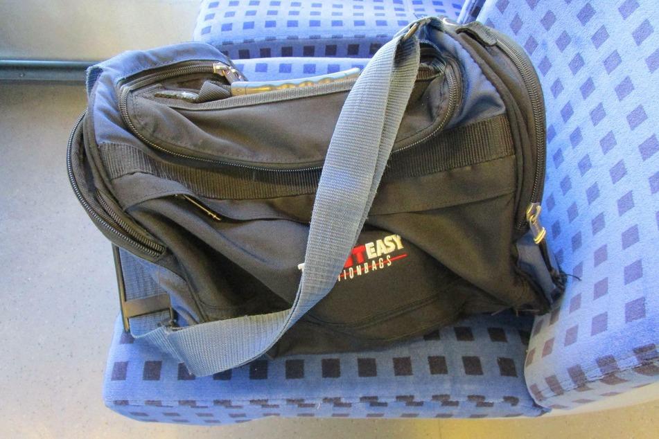 Diese Sporttasche löste am Mittwoch einen Polizeieinsatz in Werdau aus.