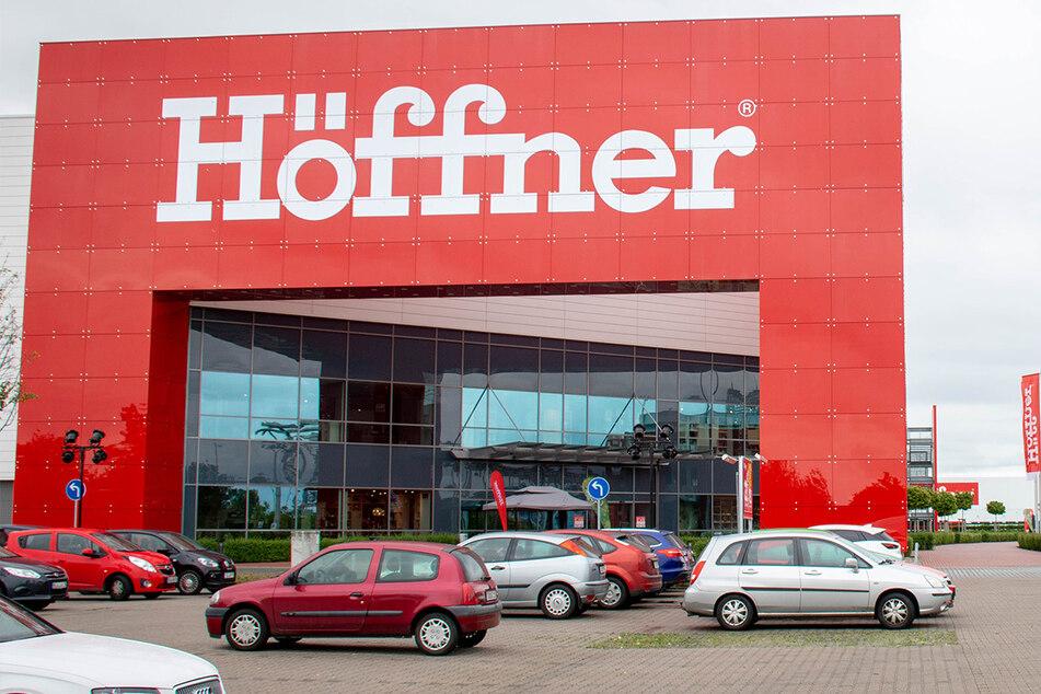 Verrückte Rabattaktion bei Höffner, als gebe es keinen Lockdown