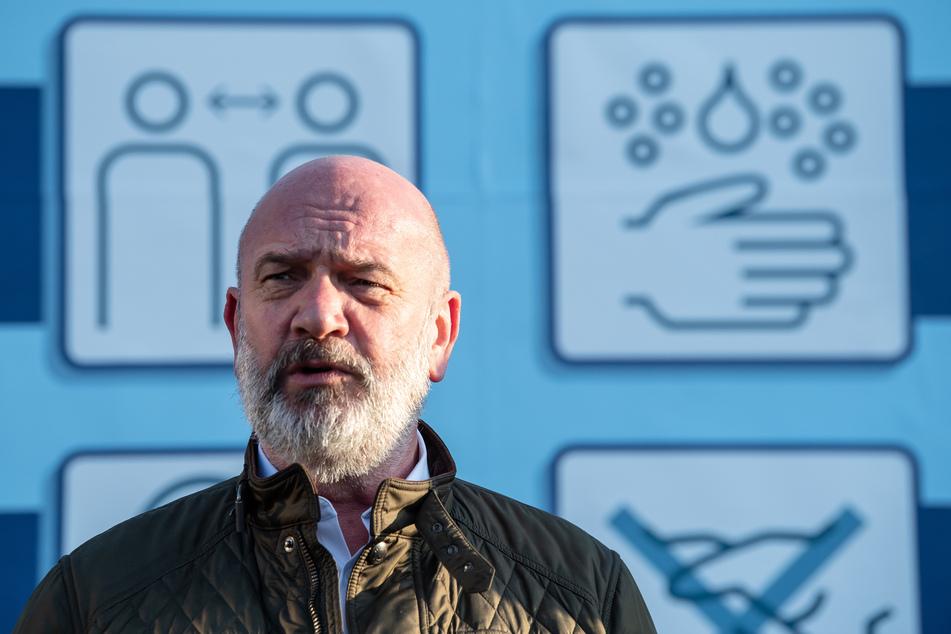 Wolfsburg: Bernd Osterloh (64), Betriebsrat von VW, ist positiv auf das Coronavirus getestet worden und hat sich in Quarantäne begeben.