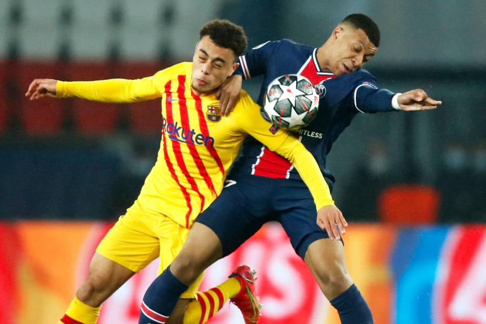 Im zweiten Anlauf (temporär) an die Säbener Straße? Läuft Sergiño Dest (20, l.) vom FC Barcelona bald für den FC Bayern München auf?