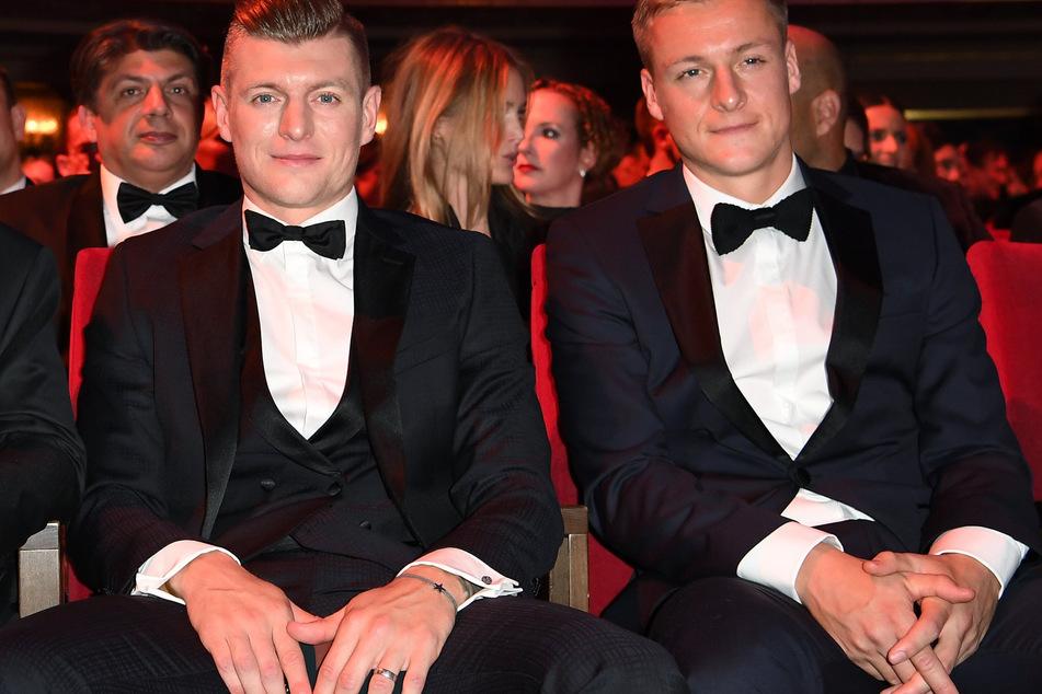 """Die beiden Brüder Toni (31, l.) und Felix Kroos bei den """"GQ Men of the Year Awards"""" in 2019."""