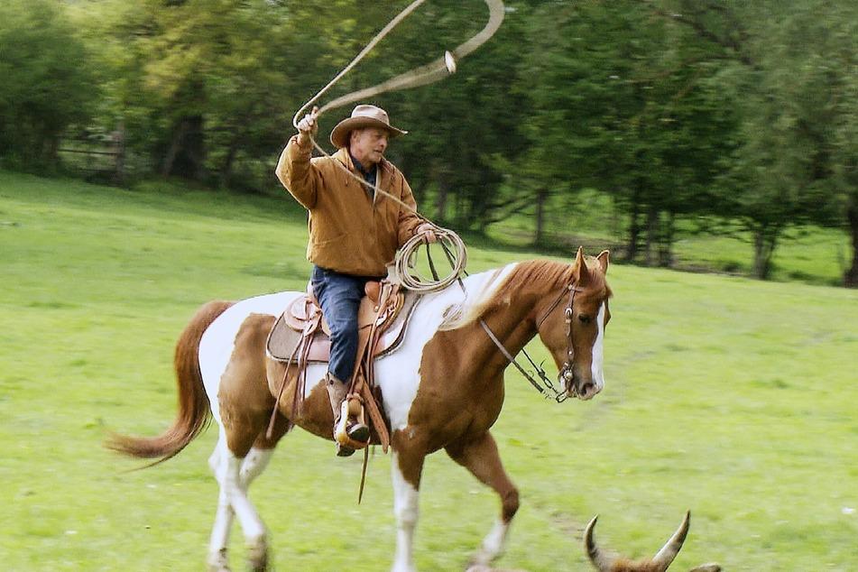 Cowboy-Fan Uwe (54) sucht auch nach der passenden Frau.