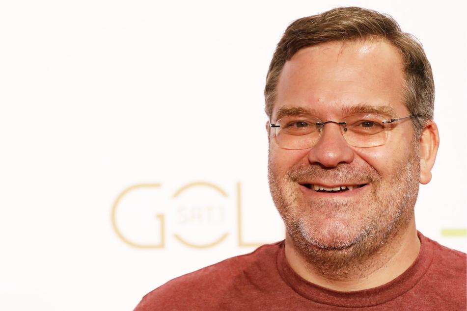 TV-Moderator Elton (50) wurde von Jörg Dahlmann (62) verlinkt und hat mit einem Kommentar reagiert.