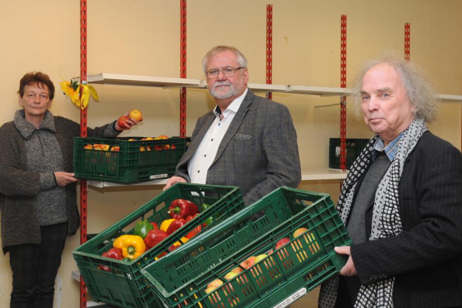 Tafel-Landesverbands-Chef Joachim Rolke (62, M.) und seine Mitarbeiter haben noch Lebensmittel da, trotzdem können Ausgabestellen nicht öffnen.