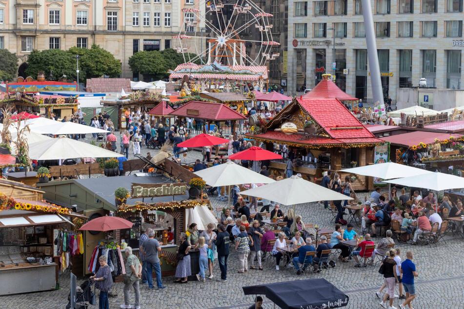 Dresden: Herbstmarkt gestartet: Auf dem Altmarkt wird wieder gehandelt