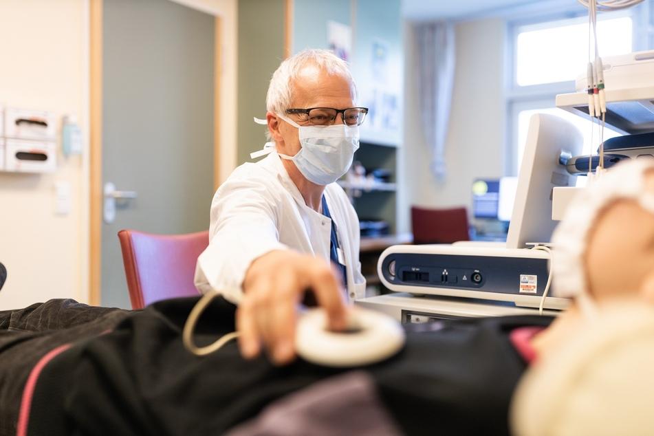 Dr. Roman Gebauer führte die erste Kardioablation bei einem jugendlichen Patienten am Herzzentrum druch.