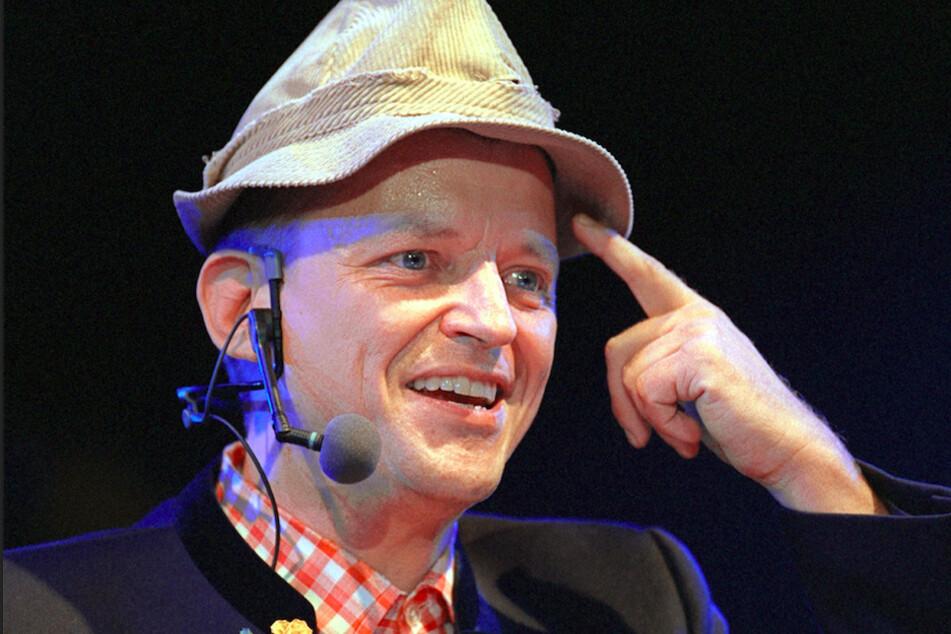 Der Würzburger Kabarettist Franz-Markus Barwasser (heute 60) in seiner Rolle als Erwin Pelzig. (Archivbild)
