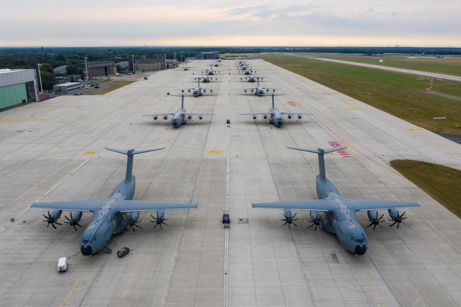 Die Luftwaffe fliegt Soldaten von Wunstorf zur Corona-Hilfe nach Portugal. (Archiv)