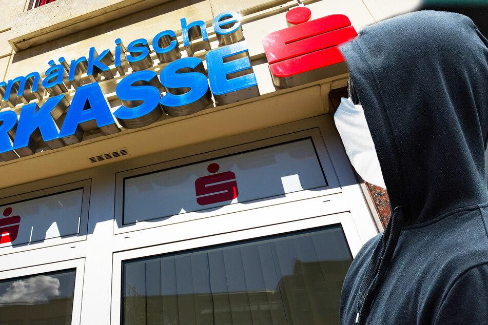 Geldtransporter vor Sparkasse überfallen: Täter trug Corona-Schutzmaske!