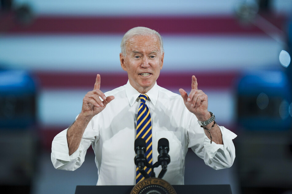 Joe Biden (78) möchte, dass sich mehr US-Amerikaner impfen lassen. Nun versucht er sogar, seine Landsleute mit einer 100-Dollar-Belohnung zum Impfen zu bringen.