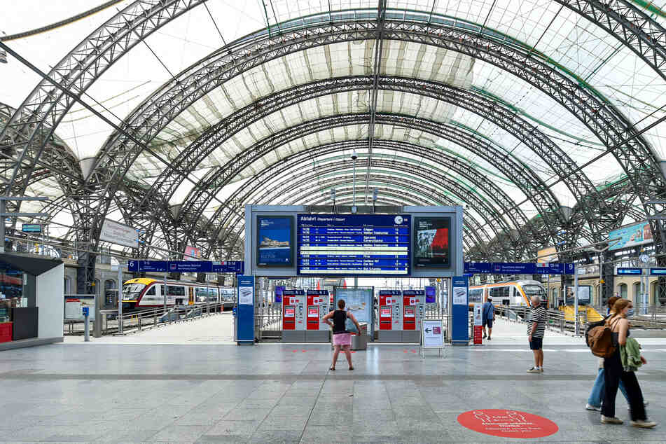 Der Hauptbahnhof soll während der Bauarbeiten mit kleinen Einschränkungen die ganze Zeit über offen bleiben.