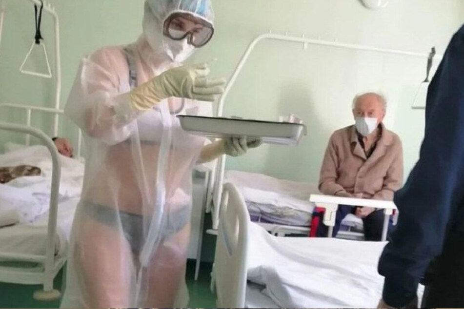 nackte mannliche krankenschwester