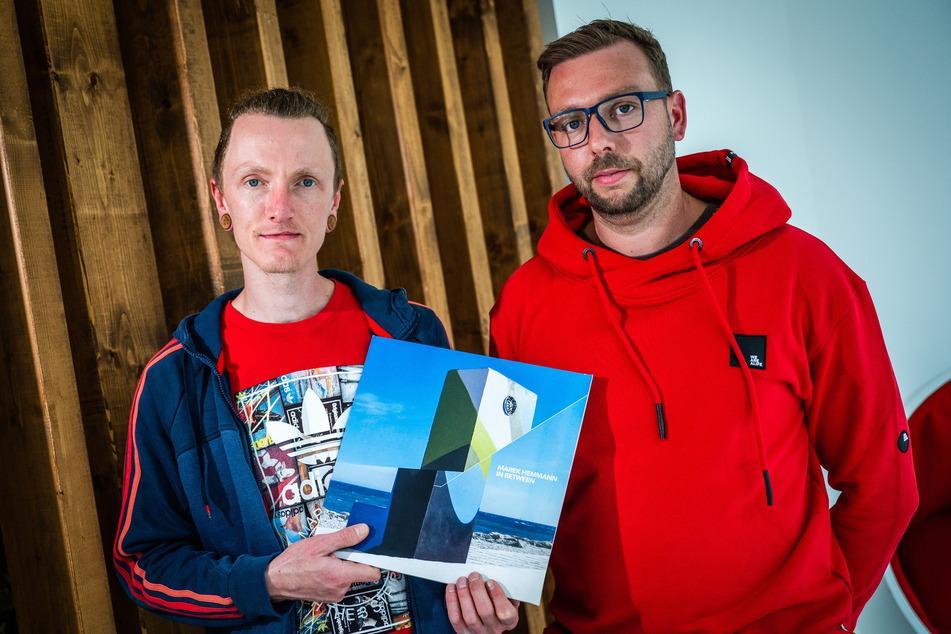 """Die DJs """"Sulae"""" (35, l.) und """"ELStrulloDeLaBestia"""" (36) bilden das Duo """"RaffenZwei""""."""