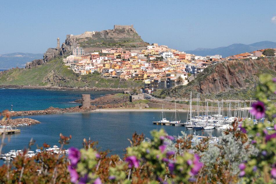Die Altstadt von Castelsardo im Nordwesten Sardiniens.