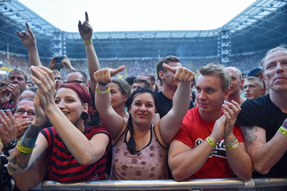 Die Hits und Popstars der 90er-Jahre sollen das Harbig-Stadion im Sommer 2022 mit 25.000 Konzertgästen füllen. (Archivbild)