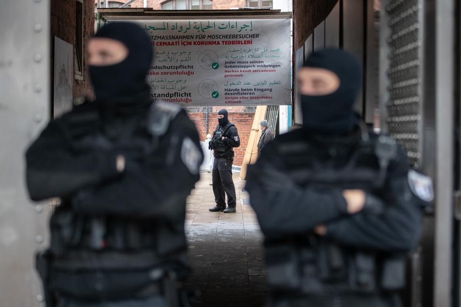 Totes Schwein vor Moschee gelegt: Staatsschutz ermittelt