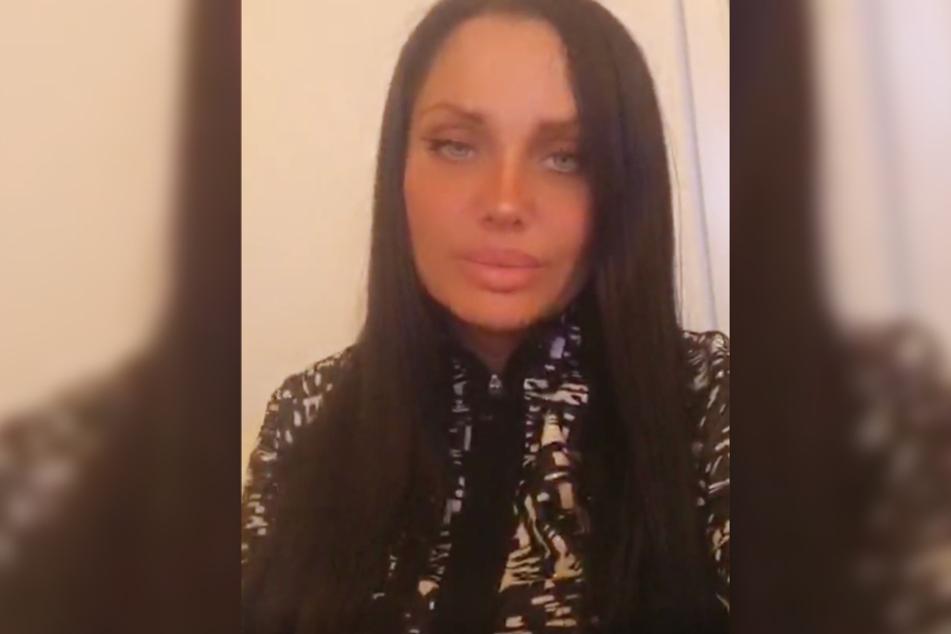 Rapperin Schwesta Ewa (36) wandte sich am Dienstagabend auf Instagram live an ihre Fans.