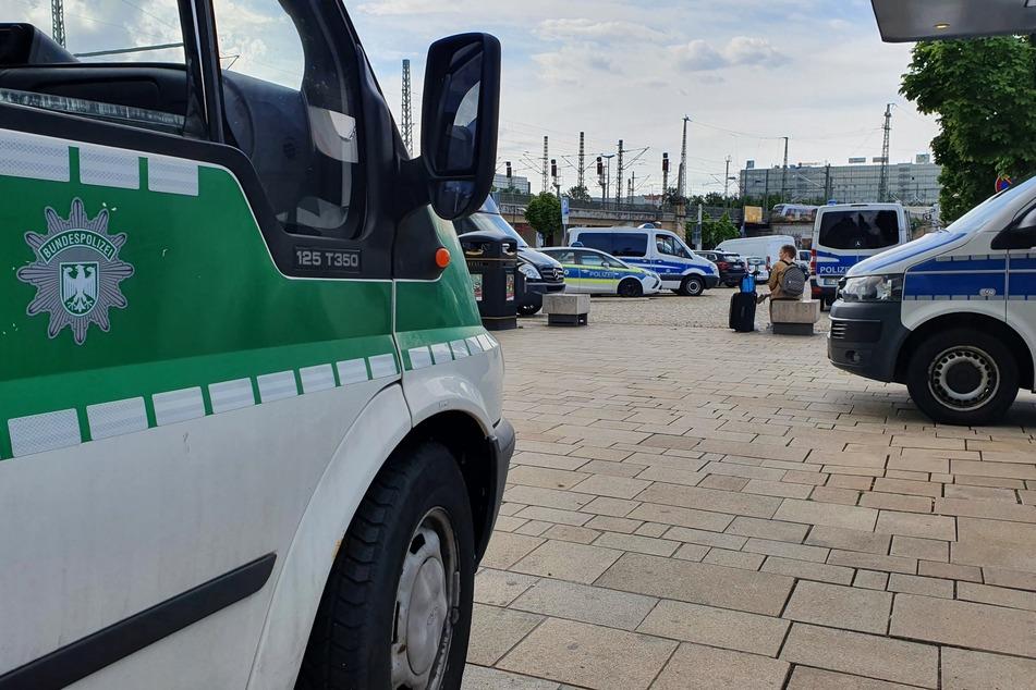 Auch in Halle war ein größeres Aufgebot von Bundespolizisten am Hauptbahnhof zugegen, um die Kontrollen durchzuführen.
