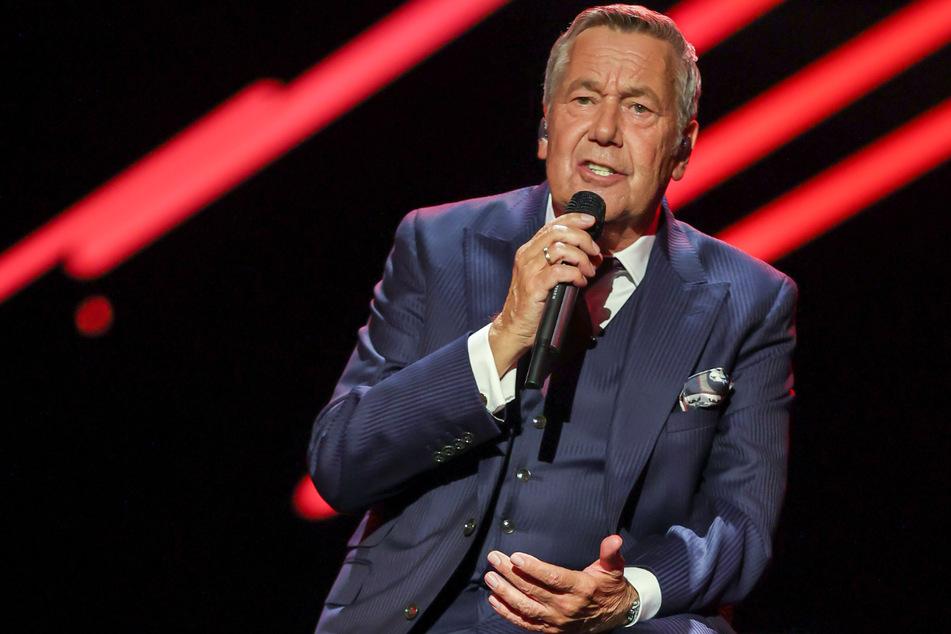 Der deutsche Schlagersänger Roland Kaiser (68) tritt am Donnerstagabend in der Berliner Waldbühne auf.