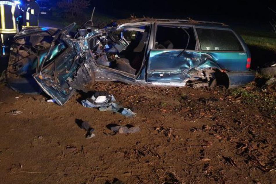Der Wagen glich nach dem Crash einem Trümmerhaufen.