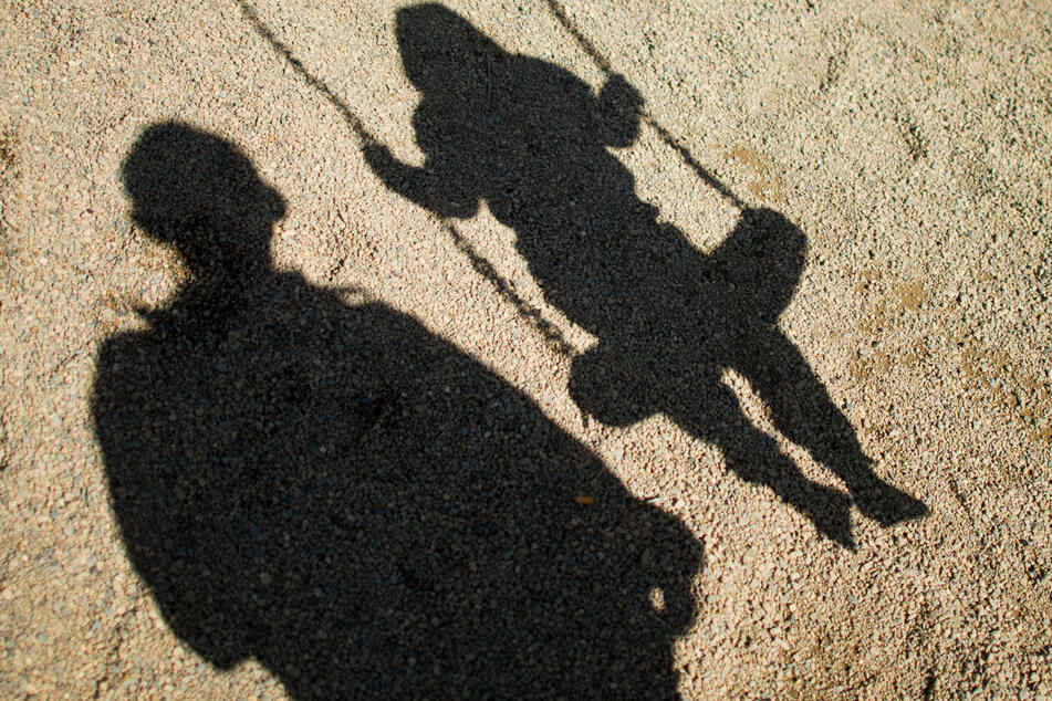 Nachbar soll Mädchen (11) immer wieder missbraucht haben