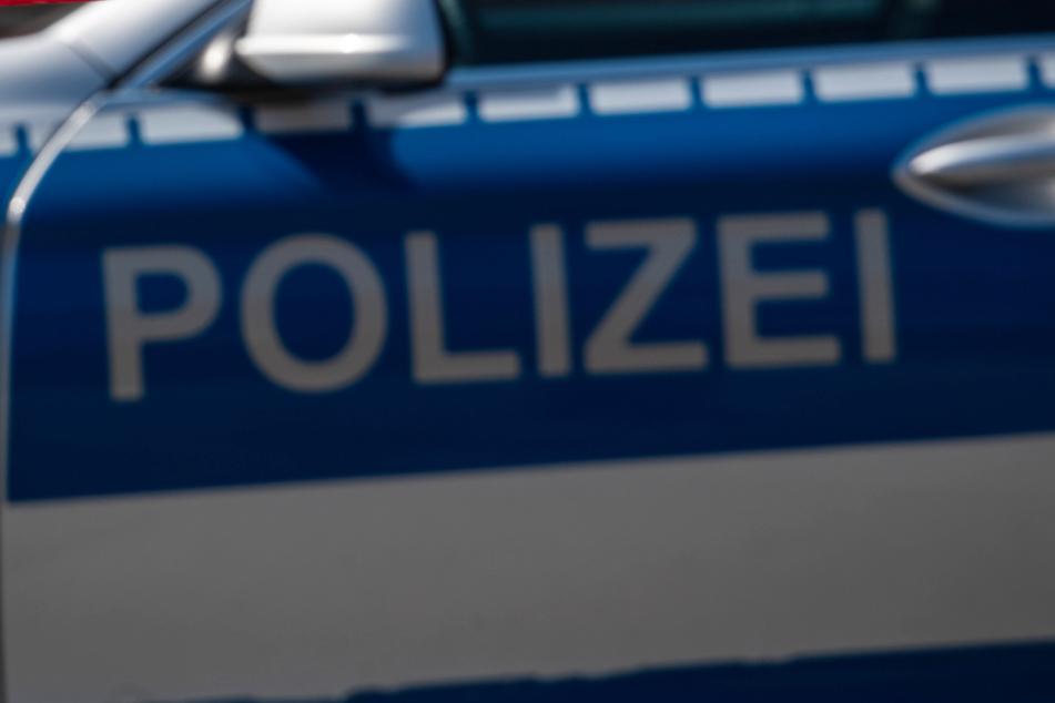 Die Polizei sucht Zeugen, welche Hinweise zum bislang unbekannten Beschuldigten geben können. (Symbolbild)