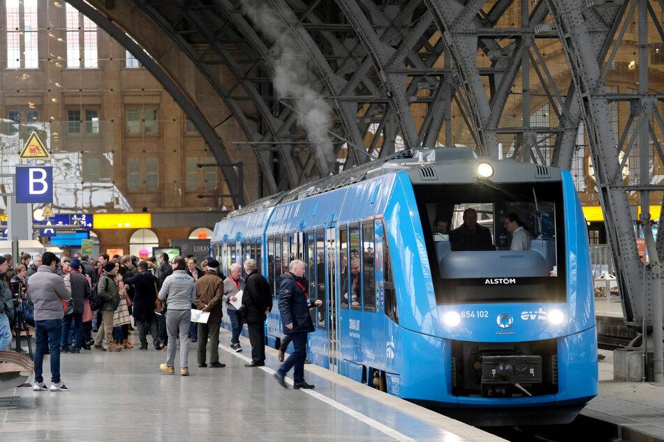 Komplett Wasserstoff-betrieben: Wie dieser Zug könnte bald auch eine Straßenbahn aus Leipzig stromfrei rollen.