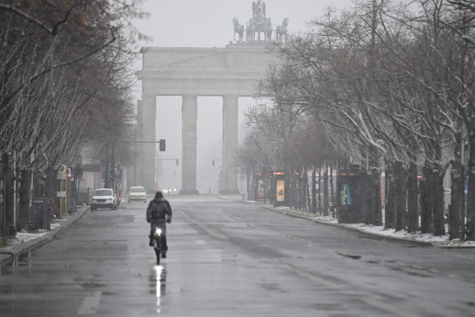 Neuer Schnee für Berlin? Auf den Straßen könnte es glatt werden