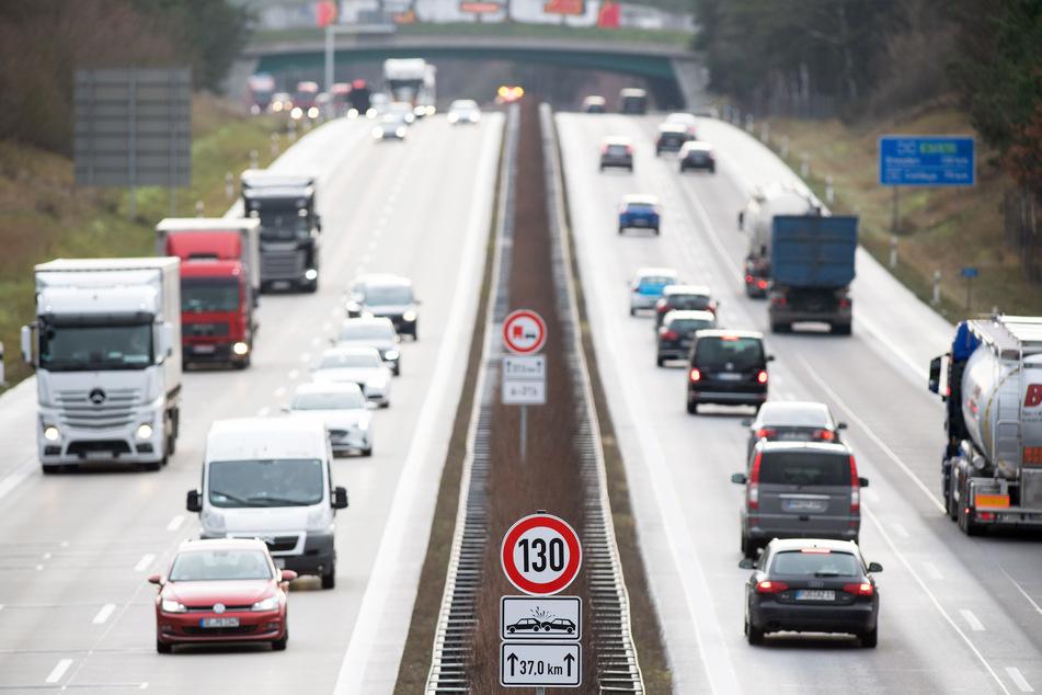 Grausiger Fund: Polizei entdeckt Leiche auf Autobahn-Parkplatz