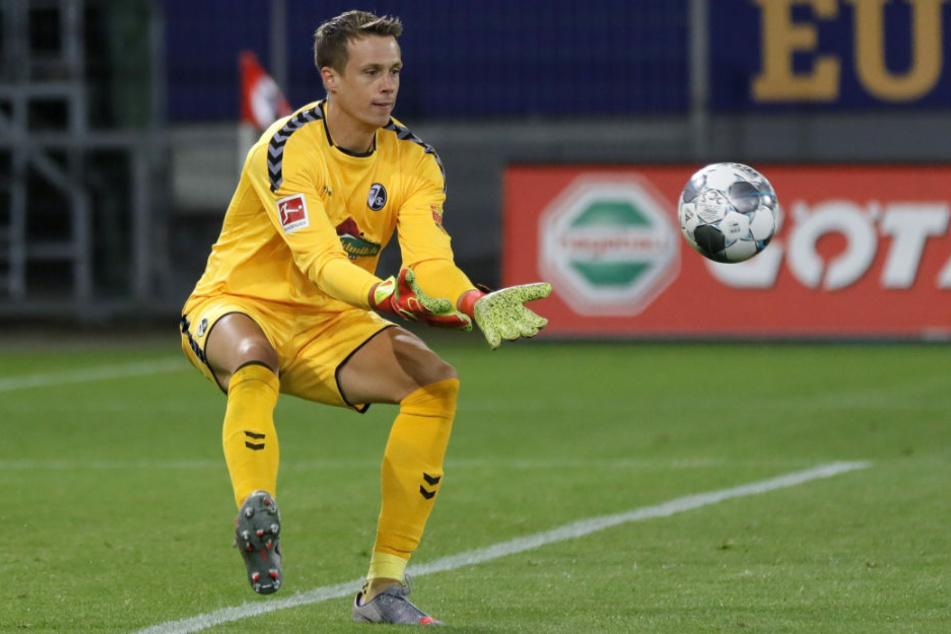 Kann sich Herthas neue Nummer eins Alexander Schwolow (28), hier noch im Dress des SC Freiburg, auch schon bald im Nationaltrikot fangsicher zeigen?
