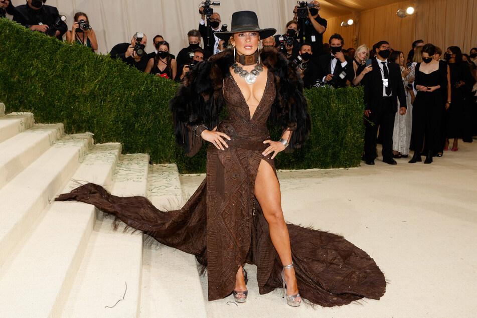 Jennifer Lopez's outfit also got plenty of attention.