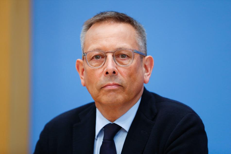 """Der Missbrauchsbeauftragte der Bundesregierung, Johannes-Wilhelm Rörig, sprach von einer """"historischen Entscheidung""""."""