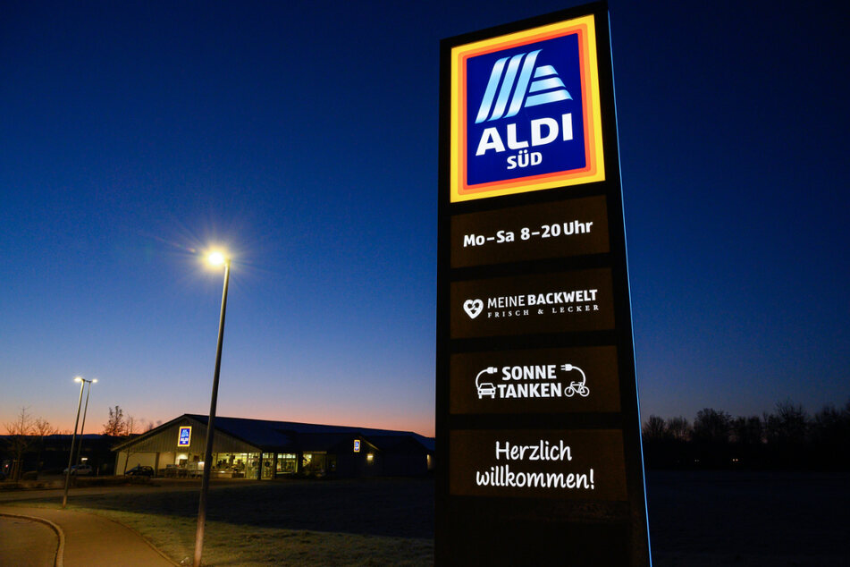 Aldi will bis 2030 nur noch Fleisch aus artgerechter Tierhaltung verkaufen.